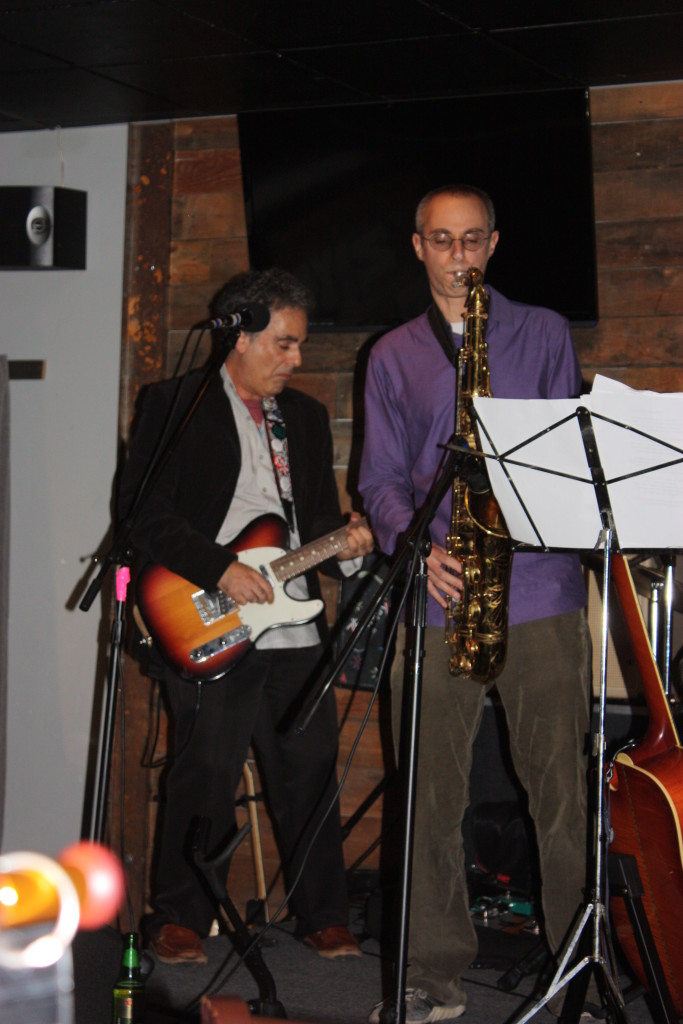 The Innocent Bystanders play live music at parties, weddings, and corporate events in San Diego.
