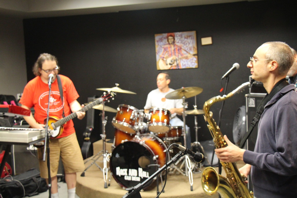 The Innocent Bystanders play live music, rock, soul, and jazz in San Diego for parties, weddings, and corporate events.